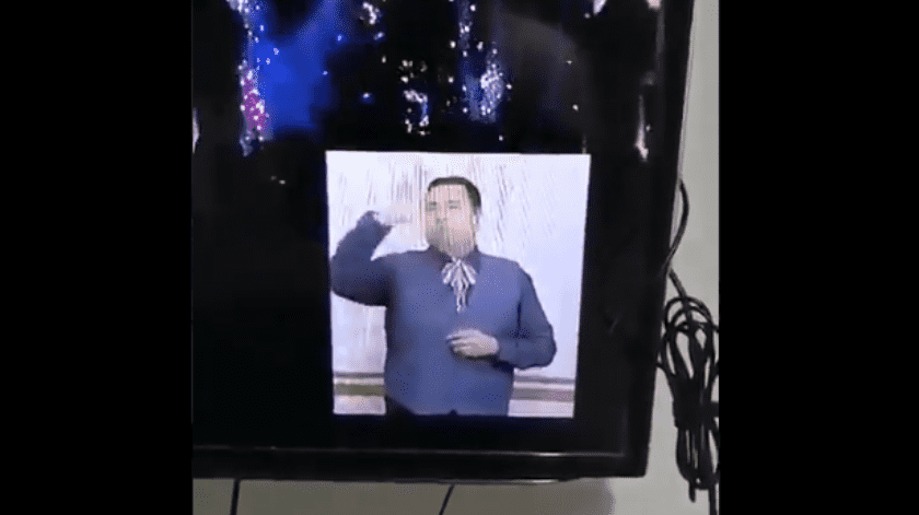El hombre se ganó los corazones de las personas en las redes sociales, y calificaron ese instante como lo mejor de la fiesta patria televisada en San Luis Potosí.