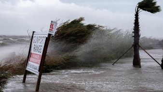 Cuando era huracán tocó tierra a las 4:45 a.m. cerca de Gulf Shores, Alabama, después de golpear durante horas una franja de la costa desde Pensacola Beach, Florida, hasta Dauphin Island, Alabama.