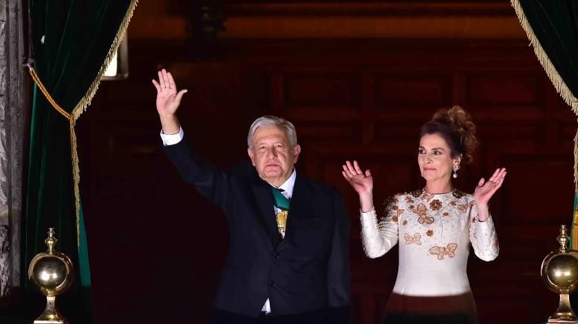 Qué representa el color del vestido usado por Beatriz Gutiérrez Müller en el Grito de Independencia realizado por AMLO(JMM/PRESIDENCIA)