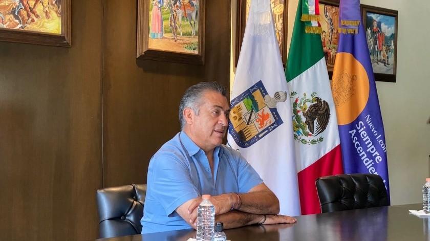 """Este día, del 210 aniversario de nuestra independencia, dijo """"El Bronco"""", """"declaramos hoy en Nuevo León que seguiremos trabajando para que el centro sea menos abrasivo (sic), así como luchó Hidalgo contra el centro""""."""