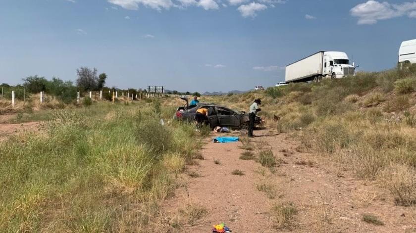Los lesionados fueron auxiliados por paramédicos de la Cruz Roja y trasladados al Hospital General de Guaymas.
