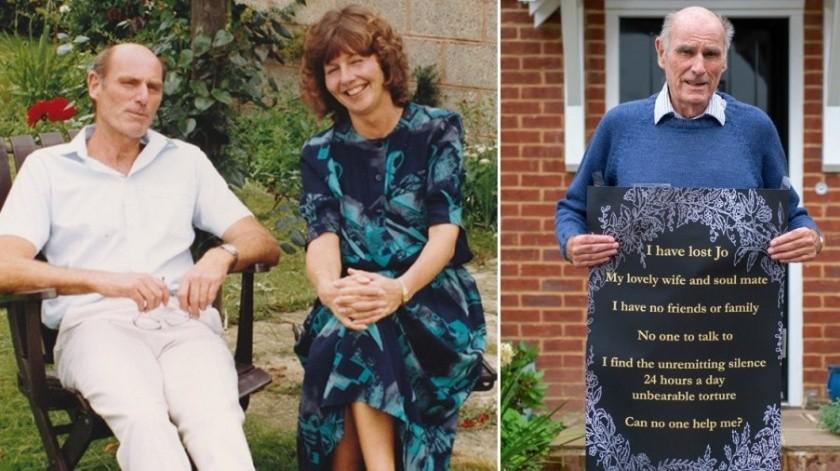 Murió su esposa y ahora solicita amigos con un cartel en la puerta de su casa.(Cortesía)