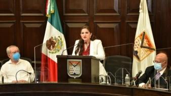 La alcaldesa Célida López Cárdenas da su mensaje en el Segundo Informe de Gobierno.