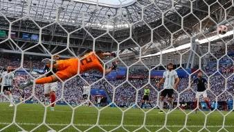 FIFA y UEFA advierten sobre la posible exclusión del fútbol griego