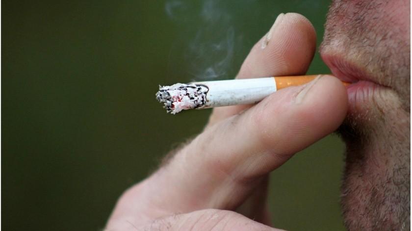 Si fumas, Covid-19 empeora hasta tres veces más en tus vías respiratorias(Pixabay-ilustrativa.)