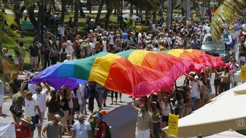 Quenton Moss: golpea e insulta a pareja gay; lo condenan a dos años en prisión(EFE)