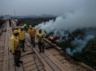 Incendios en Pantanal alcanzan nivel récord y presionan a Bolsonaro