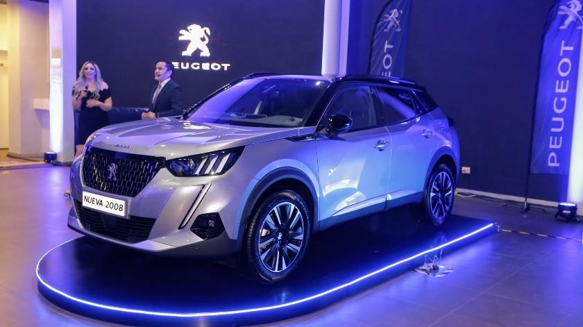 La nueva camioneta destaca por su diseño moderno y sofisticado, sin descuidar el rendimiento del vehículo(Eleazar Escobar)