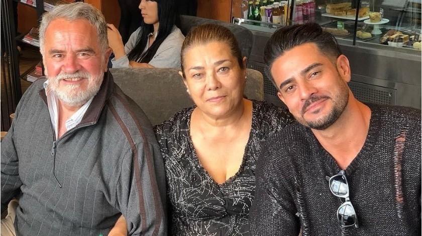 Ricardo Franco reportó la muerte de su padre por Covid, y 10 días después falleció su madre por problemas de diabetes.(Tomada de la red)