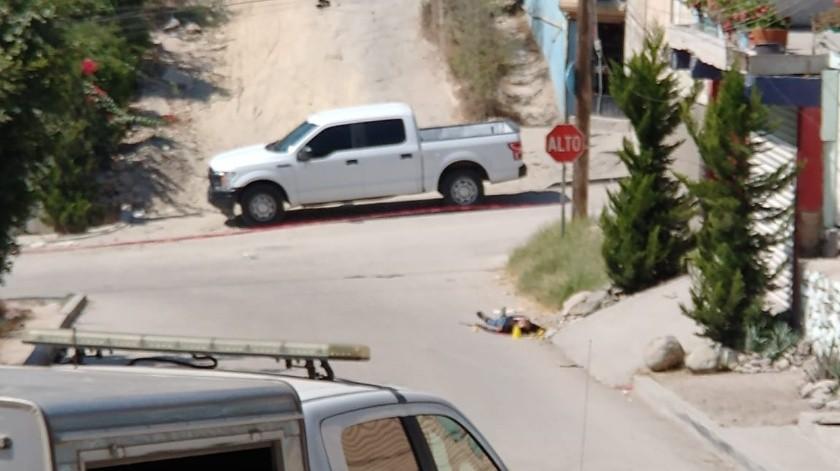 La víctima perdió la vida de manera inmediata debido a los impactos de bala.(Margarito Martínez)