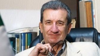 A pesar de que miles de personas le comentaron que la foto estaba mal, el padre de Carlos Loret de Mola no la borró de su red social.