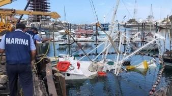 Se hunde barco pesquero en Peñasco y provoca derrame de combustible