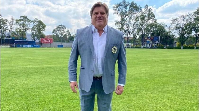 """""""Piojo"""" Herrera defiende a Peralta por criticas por """"platicar"""" con jugadores del América(Instagram @miguelherreradt)"""