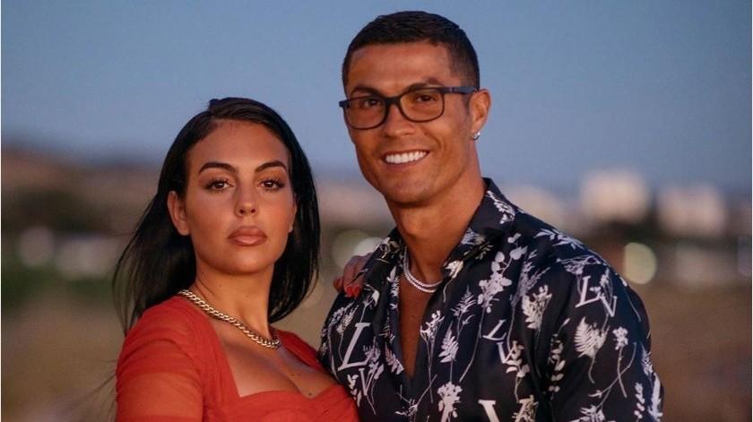 ¡Que ostentoso! Cristiano Ronaldo le obsequió el anillo más caro a su pareja(Instagram @georginagio)