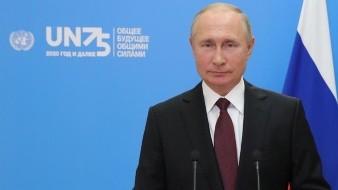 Ofrece Putin vacuna rusa gratuita a empleados de la ONU