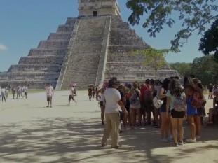 En Yucatán reabren la zona arqueológica maya para el equinoccio de otoño y con esta fecha, también regresan más de dos mil artesanos a laborar en ese sitio, después de seis meses de permanecer cerrado por la pandemia de Covid-19. Tanto visitantes como artesanos deberán cumplir medidas sanitarias.