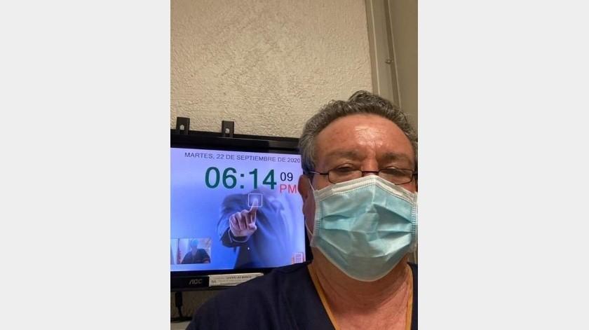El médico internista se despidió de sus compañeros y pacientes tras llegar su jubilación(Especial)