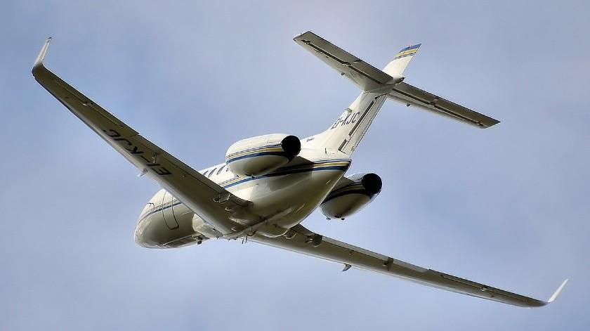 La nave es un jet Hawker 800, color blanco con matrícula XB-PYZ(Needpix)