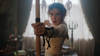 La película Enola Holmes cuenta la historia de la hermana menor de Sherlock Holmes.