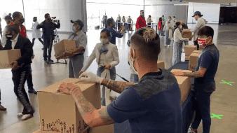 Chivas paga apuesta con Águilas y reporten despensa a mariachis tapatíos