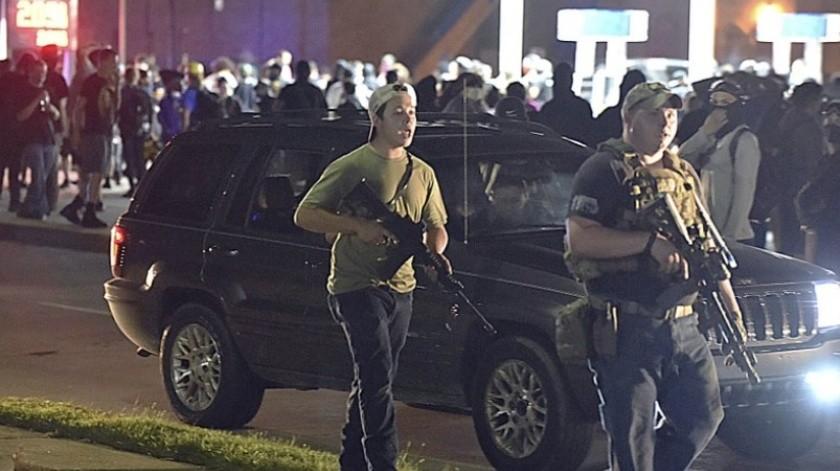 """Demandan a Facebook por """"contenido que incitó a la violencia"""" en Wisconsin(AP)"""
