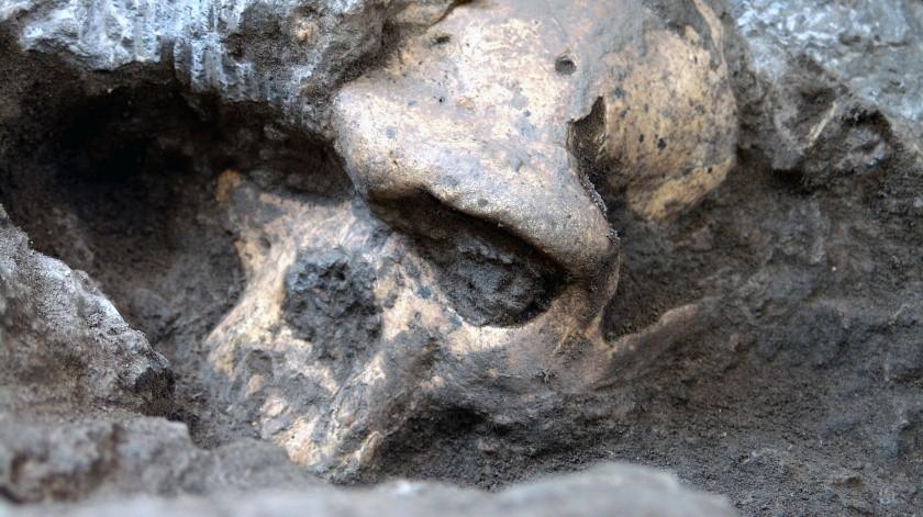 Los expertos arqueólogos indagan más sobre el hallazgo.(EFE)