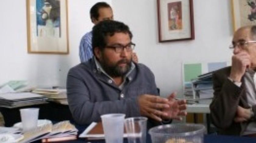 Cuenta con experiencia laboral con municipios y con sectores sociales, principalmente con redes ciudadanas, grupos agrarios y mujeres indígenas en el estado de Hidalgo, de donde es originario.