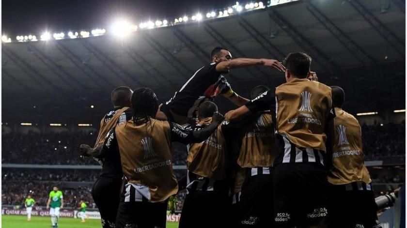 Mineiro sigue como líder de la liga y Sao Paolo consiguió el empate antes de ir a Copa Libertadores(EFE)