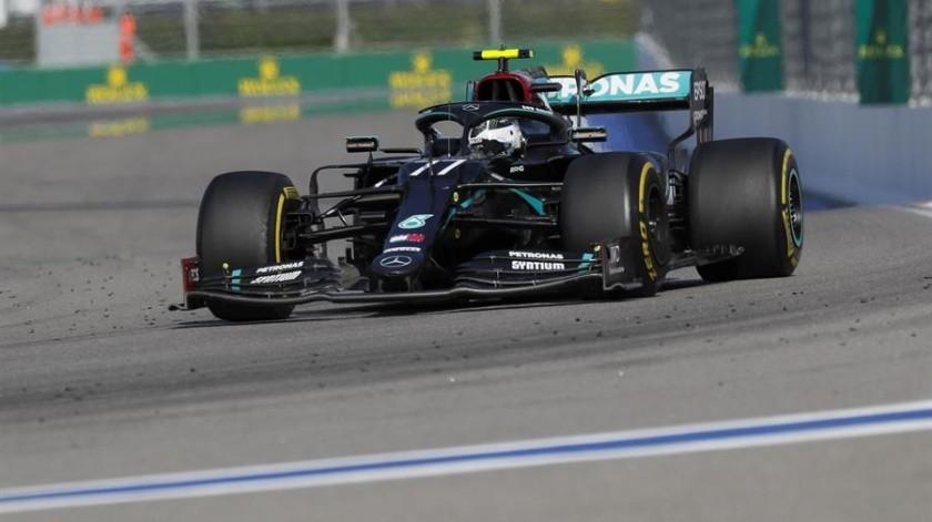 El Gran Premio de Rusia tuvo un arranque muy agitado, lo que obligó a neutralizar la carrera por el accidente del español Carlos Sainz (McLaren).(EFE)