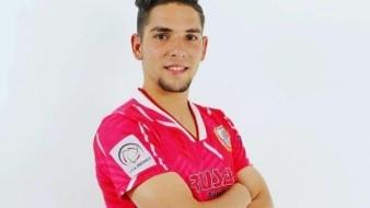 Alessando Amador jugaba como delantero y la temporada pasada había jugado en el Sporting Canamy. La policía aún no dado a conocer cuál fue el motivo del crimen.