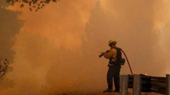 Miles de residentes del Norte de California se quedarán este domingo sin electricidad como parte de las medidas tomadas por el proveedor del servicio para reducir los riesgos de incendios, en medio de una ola de calor y fuertes vientos que atraviesa la zona