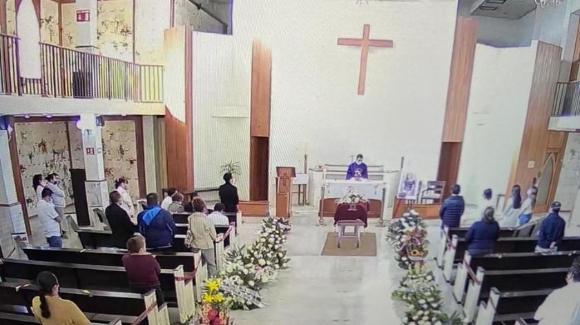 Los familiares más cercanos acudieron a los servicios funerarios(Especial)