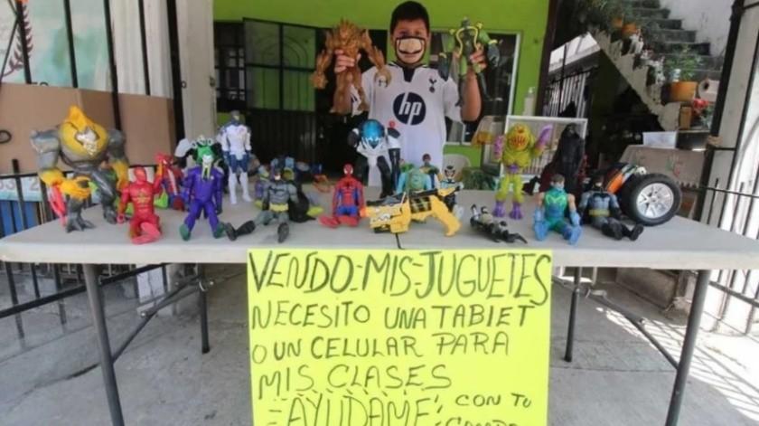 Mario vendía sus juguetes y así comprar una tablet para clases, fundación le regala una(Especial)