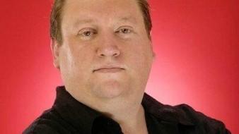 El reconocido psíquico Rob Cissna asegura que José José no ha encontrado el descanso