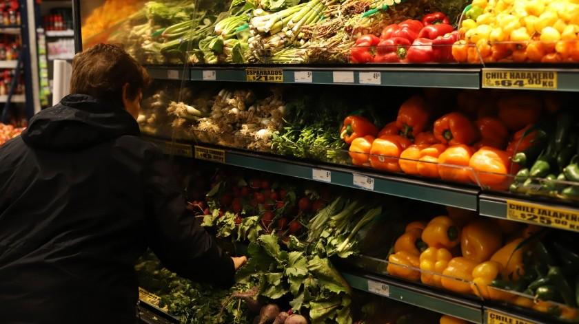 Autorizan que niños ingresen a mercados con sus familiares(Archivo)