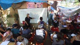 En algunas zonas marginadas de Hermosillo las familias se han organizado para apoyar con las clases a los niños
