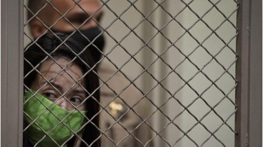 Mujer acusada de intentar secuestrar a nieto de Joe Montana señala ser inocente(AP)