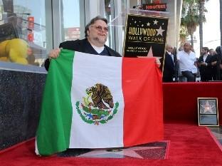 Guillermo del Toro se reunió en mayo con Alfonso Cuarón y González Iñárritu para defender el fidecine.