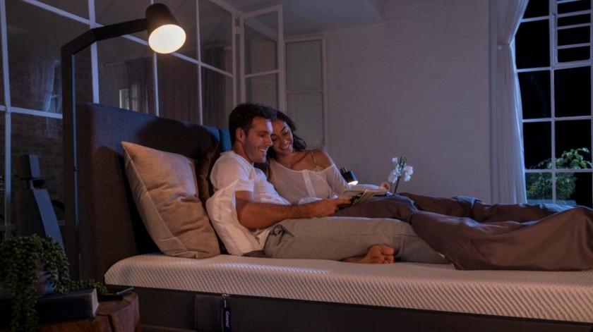 Una de las maneras de prevenir los trastornos del sueño es elegir un colchón de calidad que te permita descansar.(Cortesía)