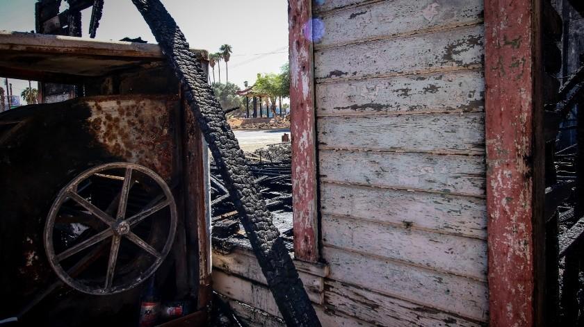 Antes y después del incendio de la casa del general Esteban Cantú