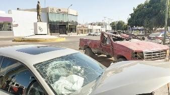 El choque volcamiento ocurrió en el bulevar Rodríguez y Zacatecas, con saldo de dos personas lesionadas.