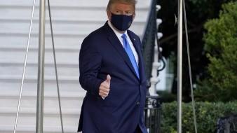 La Casa Blanca se ha mantenido en silencio sobre la gravedad de los síntomas de Trump y continuó diciendo que el presidente estará bien.