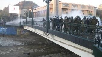¡Frivolidad! Joven herido al caer a río frente a carabineros de Chile