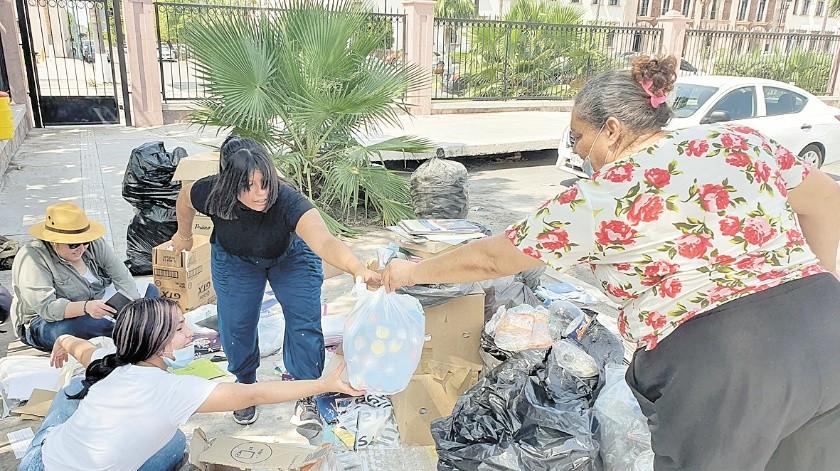 Los hermosillenses han respondido a la convocatoria de reciclaje y donativos.(Julián Ortega)