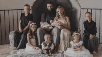 Rhonita LeBaron y su familia.