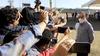 Alfonso Durazo es entrevistado por medios locales y nacionales.Eleazar Escobar.
