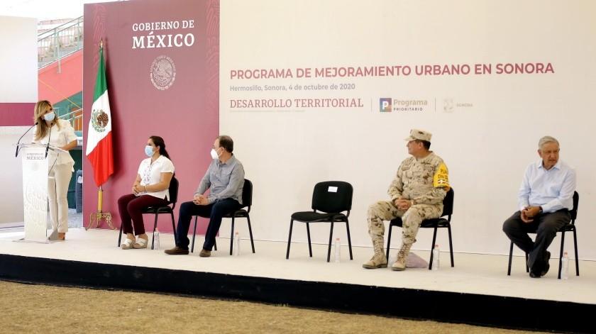 Claudia Pavlovich, gobernadora de Sonora, dirige unas palabras al Presidente de la República(Eleazar Escobar)