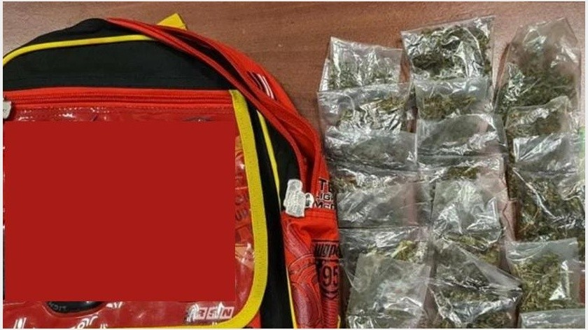 Pareja narcomenudista usaba a su nieto de 3 años para repartir droga; los detienen(Especial)