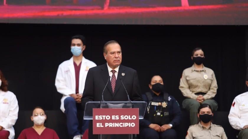 El presidente municipal Arturo González Cruz ofreció su primer informe de gobierno en la explanada de Palacio Municipal.(Gustavo Suárez)