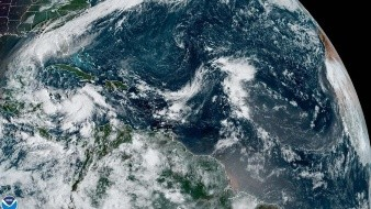 Asimismo, indica el observatorio con sede en Miami (Florida), se prevé que este huracán se mueva sobre el sur del Golfo de México entre la noche del martes y las primeras horas del miércoles.